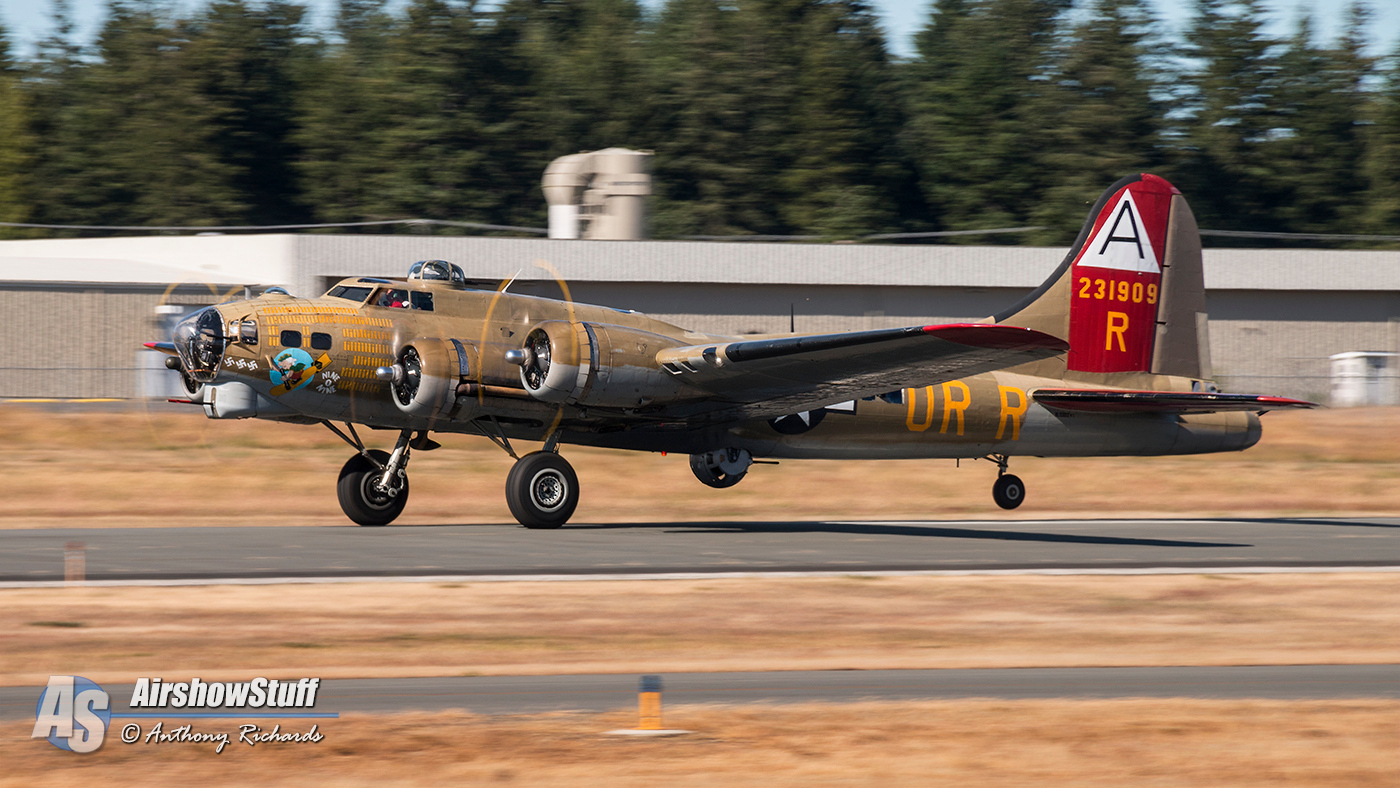 Collings Foundation Wings of Freedom Tour 2015 - B-17 Flying Fortress 'Nine-O-Nine'